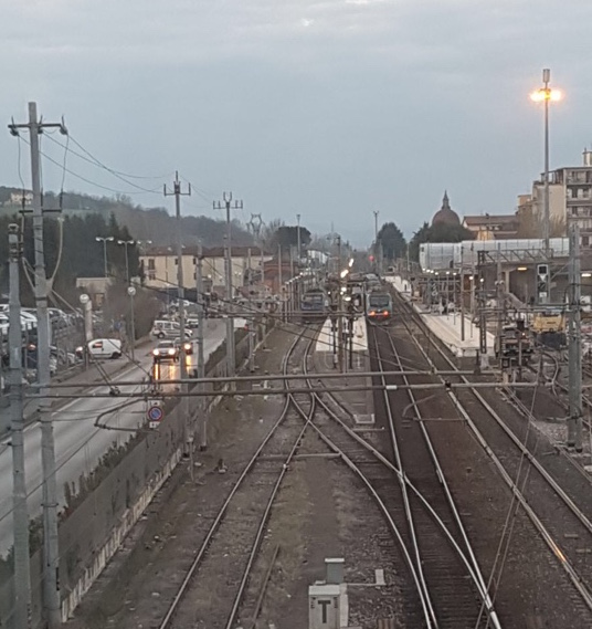 San Giovanni Valdarno, travolto dal treno: circolazione ferroviaria in tilt