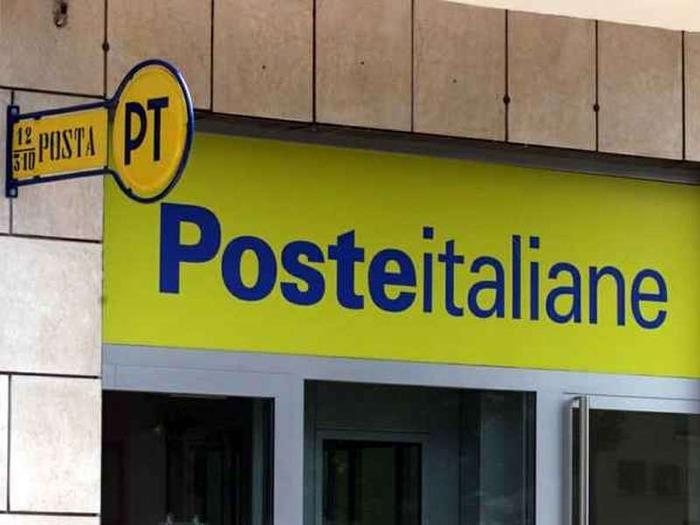 Uffici postali a rischio, disservizi, disagi: la questione Poste Italiane