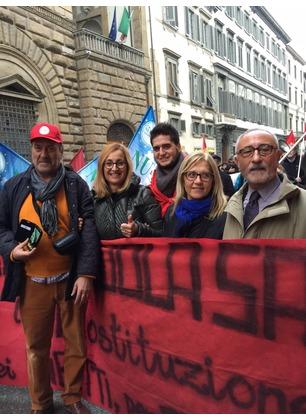 Referendum abrogativo: manifestazione a Firenze. Una delegazione nel palazzo del consiglio regionale