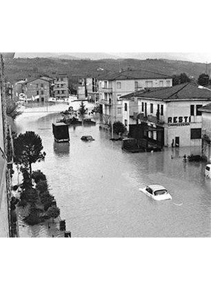 Tra un mese il cinquantennale dall'alluvione del 1966. Raccogliamo testimonianze, immagini, ricordi