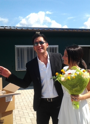Per il loro matrimonio James e Futura hanno consegnato 15.000 biscotti ai cani di Forestello