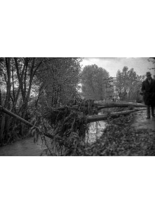 """L'alluvione del '66 a Montevarchi, raccontata dai tecnici di allora. """"Così lavorammo per ripulire la città"""""""