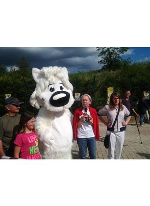Un sabato insieme ai cani di Forestello. Tanti visitatori, merenda e divertimento per i bambini