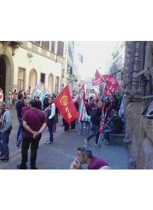 """Bekaert, Enrico Rossi solidale con i lavoratori in sciopero: """"Non ci arrendiamo"""""""