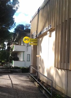Il comune incontra la direzione provinciale di Poste Italiane. Intanto continuano i disagi per i cittadini