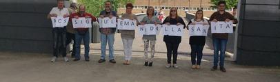 Mobilitazione contro la riforma sanitaria: flash mob e raccolta firme. Tanti i cittadini partecipanti